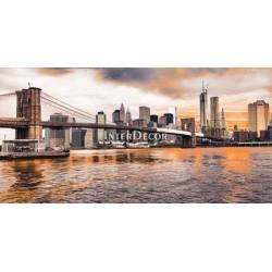 Brooklyn Bridge a Dolní Manhattan při západu slunce