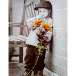 Chlapec se žlutými růžemi